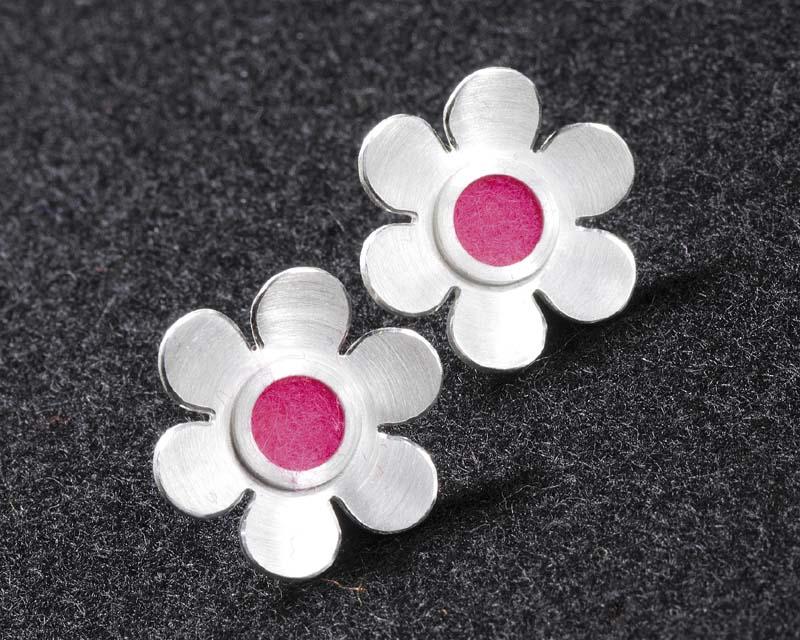 suche nach echtem Schatz als seltenes Gut sehr bekannt Filzis Ohrstecker Blume, klein